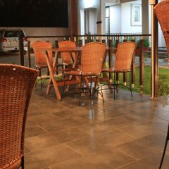 Отель The Highbridge Guest Lodge питание фото 2