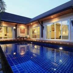 Отель Modern Thai Villa Rawai бассейн