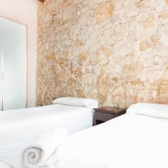 Отель AinB Las Ramblas-Guardia Apartments Испания, Барселона - 1 отзыв об отеле, цены и фото номеров - забронировать отель AinB Las Ramblas-Guardia Apartments онлайн комната для гостей фото 7
