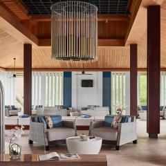 Отель Splash Beach Resort by Langham Hospitality Group гостиничный бар