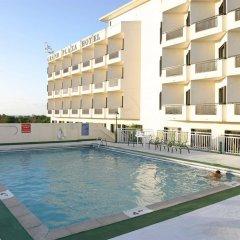 Отель Grand Plaza Hotel Гуам, Тамунинг - 1 отзыв об отеле, цены и фото номеров - забронировать отель Grand Plaza Hotel онлайн бассейн фото 2