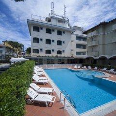 Hotel Ricchi бассейн фото 3