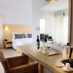 High Beach Hotel удобства в номере