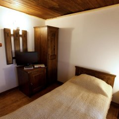 Отель Zlatna Oresha Guest House Болгария, Сливен - отзывы, цены и фото номеров - забронировать отель Zlatna Oresha Guest House онлайн комната для гостей фото 5