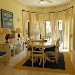 Отель Dunas Douradas Beach Villa by Rentals in Algarve питание фото 2
