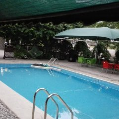 Ultimate Hotel бассейн