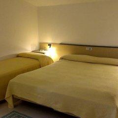 Hotel Tenesi Манерба-дель-Гарда комната для гостей фото 5
