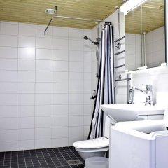 Отель Forenom Serviced Apartments Vantaa Airport Финляндия, Вантаа - отзывы, цены и фото номеров - забронировать отель Forenom Serviced Apartments Vantaa Airport онлайн ванная