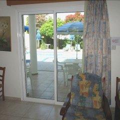 Отель Rododafni Villas Кипр, Хлорака - отзывы, цены и фото номеров - забронировать отель Rododafni Villas онлайн комната для гостей фото 5