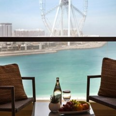 Отель Amwaj Rotana, Jumeirah Beach - Dubai балкон