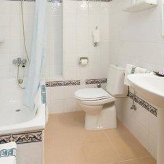 Отель Brisa Испания, Сан-Антони-де-Портмань - отзывы, цены и фото номеров - забронировать отель Brisa онлайн ванная
