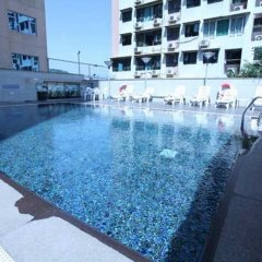 Grand Dragon Hotel бассейн