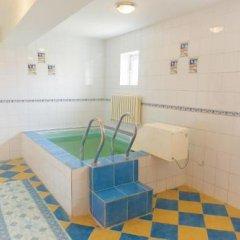 Гостиница Laeti Hotel Казахстан, Атырау - отзывы, цены и фото номеров - забронировать гостиницу Laeti Hotel онлайн бассейн