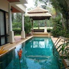 Отель Phuket Marbella Villa бассейн