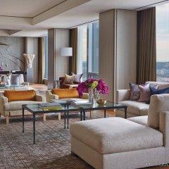 Отель Four Seasons Hotel Toronto Канада, Торонто - отзывы, цены и фото номеров - забронировать отель Four Seasons Hotel Toronto онлайн интерьер отеля фото 2