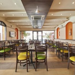 Отель Kyriad Prestige Calangute Goa Индия, Гоа - отзывы, цены и фото номеров - забронировать отель Kyriad Prestige Calangute Goa онлайн питание