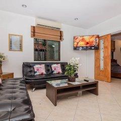 Отель Baan Kanittha - 6 Bedrooms GT Pool Villa интерьер отеля