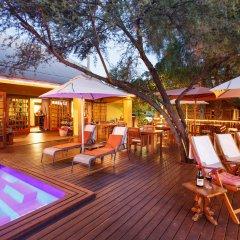 Отель Riverside Lodge бассейн