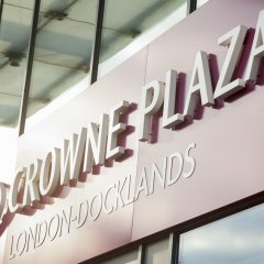 Отель Crowne Plaza London - Docklands городской автобус