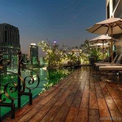Отель Muse Bangkok Langsuan - Mgallery Collection Бангкок бассейн