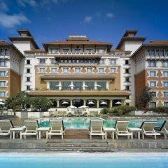 Отель Hyatt Regency Kathmandu Непал, Катманду - отзывы, цены и фото номеров - забронировать отель Hyatt Regency Kathmandu онлайн бассейн