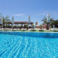Отель Fantasy Beach бассейн