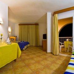 Отель Azuline Hotel - Apartamento Rosamar Испания, Сан-Антони-де-Портмань - отзывы, цены и фото номеров - забронировать отель Azuline Hotel - Apartamento Rosamar онлайн комната для гостей фото 5