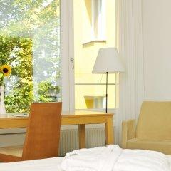 Отель Gartenhotel Altmannsdorf Hotel 1 Австрия, Вена - отзывы, цены и фото номеров - забронировать отель Gartenhotel Altmannsdorf Hotel 1 онлайн балкон