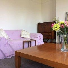 Отель Bright & Spacious 2 Bedroom Flat in Central Brighton Брайтон комната для гостей