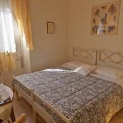 Отель Bed & Bed Cassia Италия, Флоренция - 10 отзывов об отеле, цены и фото номеров - забронировать отель Bed & Bed Cassia онлайн комната для гостей фото 4