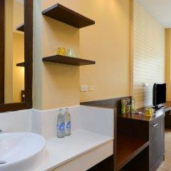 Отель Icheck Inn Silom Бангкок ванная