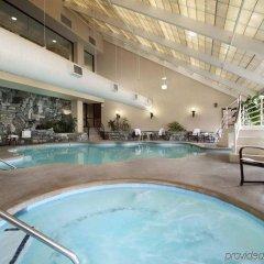 Отель Hilton Washington DC/Rockville Hotel & Executive Meeting Center США, Роквилль - отзывы, цены и фото номеров - забронировать отель Hilton Washington DC/Rockville Hotel & Executive Meeting Center онлайн бассейн фото 2
