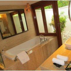 Отель Taj Coral Reef Resort & Spa Maldives Мальдивы, Северный атолл Мале - отзывы, цены и фото номеров - забронировать отель Taj Coral Reef Resort & Spa Maldives онлайн ванная фото 2