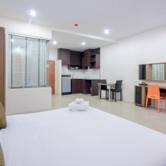 Отель Chic Residences at Karon Beach комната для гостей