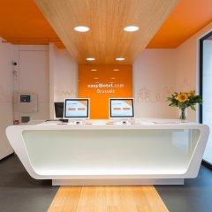 Отель easyHotel Brussels City Centre Бельгия, Брюссель - отзывы, цены и фото номеров - забронировать отель easyHotel Brussels City Centre онлайн интерьер отеля фото 3
