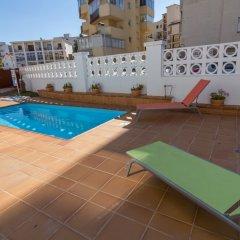 Отель Agi las Acacias Испания, Курорт Росес - отзывы, цены и фото номеров - забронировать отель Agi las Acacias онлайн бассейн фото 2