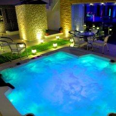 The Pearl Hotel бассейн