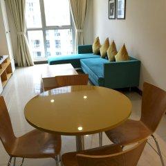 Апартаменты Bluesky Serviced Apartment Airport Plaza комната для гостей фото 2