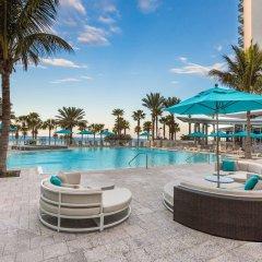 Отель Wyndham Grand Clearwater Beach бассейн