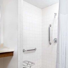 Отель Days Inn by Wyndham St Cloud ванная фото 2