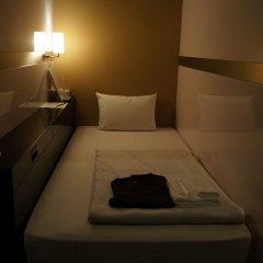 Отель First Cabin Tsukiji сейф в номере
