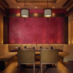Отель Beach Rotana ОАЭ, Абу-Даби - 1 отзыв об отеле, цены и фото номеров - забронировать отель Beach Rotana онлайн интерьер отеля фото 2