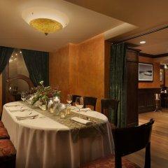 Отель Le Soleil by Executive Hotels Канада, Ванкувер - отзывы, цены и фото номеров - забронировать отель Le Soleil by Executive Hotels онлайн питание