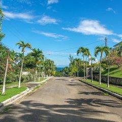 Отель Blue Heaven by Jamaican Treasures парковка
