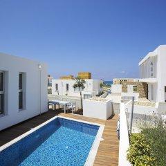 Отель Paradise Cove Luxurious Beach Villas Кипр, Пафос - отзывы, цены и фото номеров - забронировать отель Paradise Cove Luxurious Beach Villas онлайн бассейн фото 8
