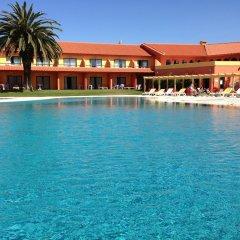 Отель MH Dona Rita бассейн