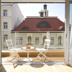 Отель Kaiser Royale Top 29 by Welcome2vienna Австрия, Вена - 1 отзыв об отеле, цены и фото номеров - забронировать отель Kaiser Royale Top 29 by Welcome2vienna онлайн балкон