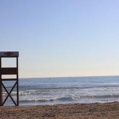 Отель Albeniz – Mediterranean Way Испания, Ла Пинеда - отзывы, цены и фото номеров - забронировать отель Albeniz – Mediterranean Way онлайн пляж
