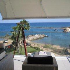 Отель Trident Beach Front Suite Кипр, Протарас - отзывы, цены и фото номеров - забронировать отель Trident Beach Front Suite онлайн пляж фото 2
