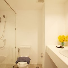 Отель Airport Bed Таиланд, Бангкок - отзывы, цены и фото номеров - забронировать отель Airport Bed онлайн ванная